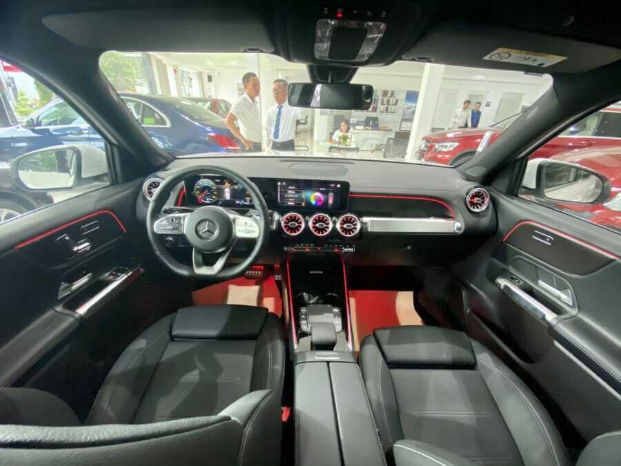 Giá lăn bánh Mercedes GLB 200