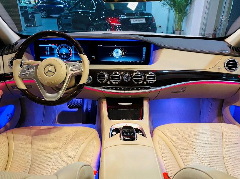Ngắm nhìn không gian NỘI THẤT của Mercedes S450 mới