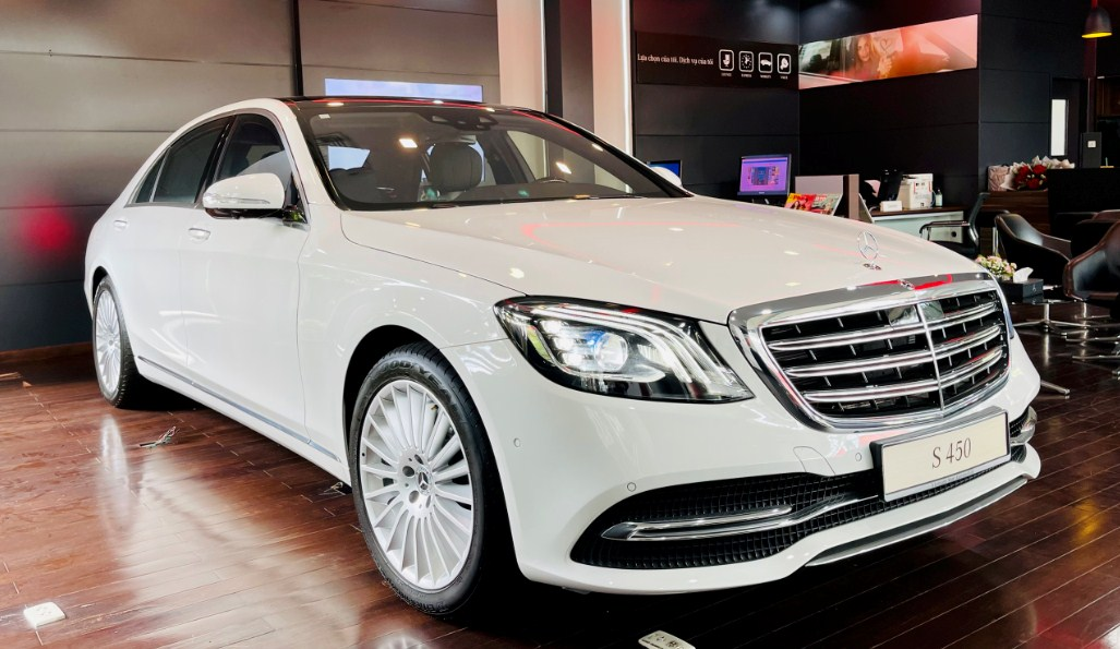 Ngắm nhìn thiết kế ngoại thất của dòng xe Mercedes S450 2022